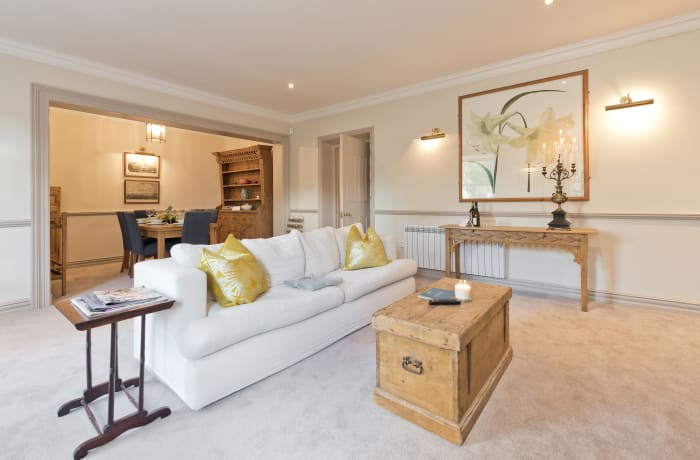 Apartment in Elegant Ballsbridge, Ballsbridge - 2