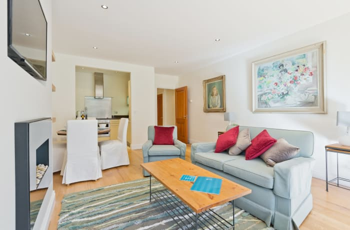 Apartment in Elegant Bloomfield Garden, City Centre South - 4