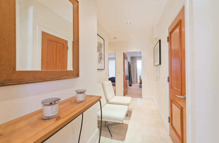 Apartment in Elegant Bloomfield Garden, City Centre South - 10