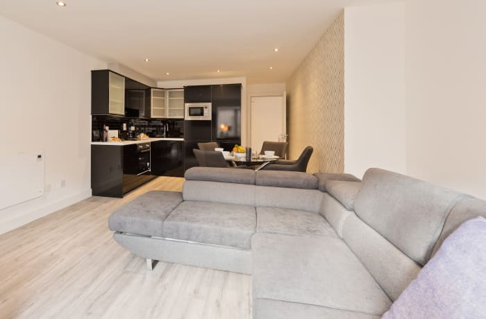 Apartment in Trinity Plaza I, City Centre - 4