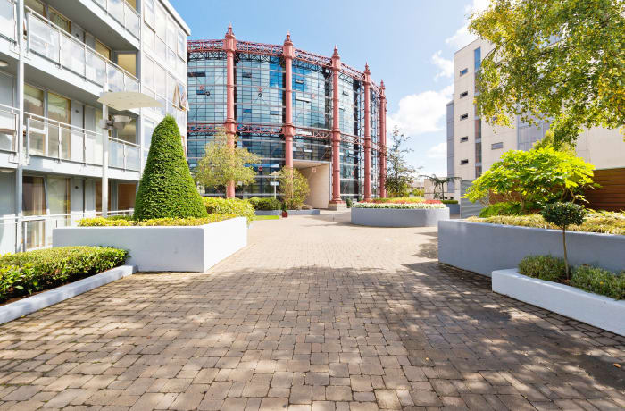 Apartment in Spacious Grand Canal III, Grand Canal Dock - 0