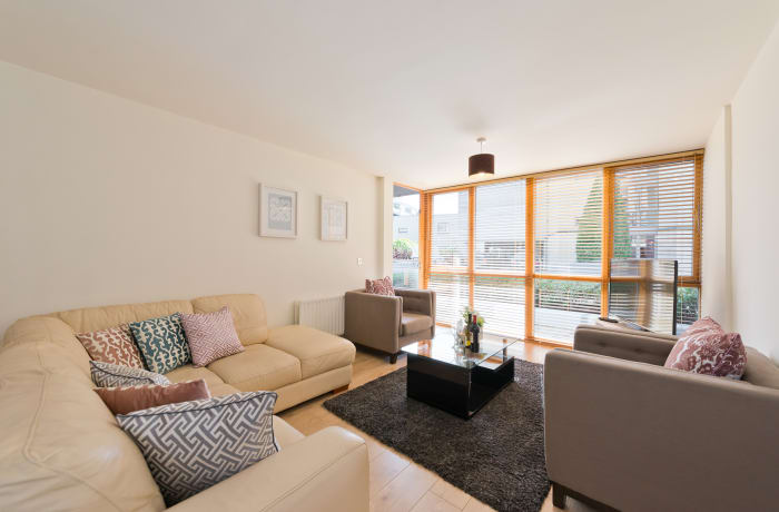 Apartment in Spacious Grand Canal III, Grand Canal Dock - 1