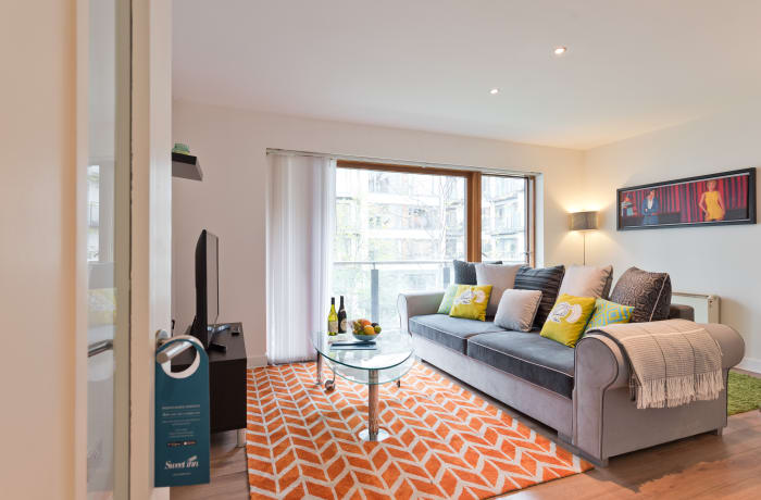 Apartment in Gallery Quay, Grand Canal Dock - 1