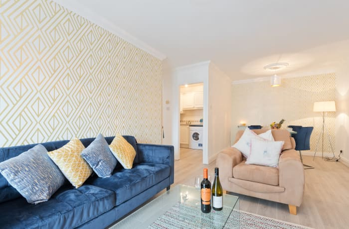 Apartment in Lansdowne Square, Grand Canal Dock - 20