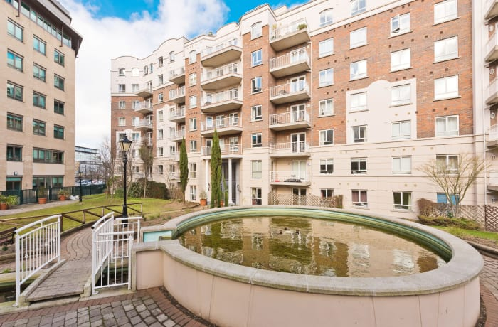 Apartment in Lansdowne Square, Grand Canal Dock - 2