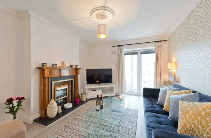 Apartment in Lansdowne Square, Grand Canal Dock - 5