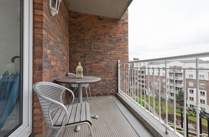 Apartment in Lansdowne Square, Grand Canal Dock - 16