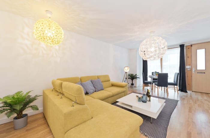 Apartment in Lovely Riverside II, Grand Canal Dock - 1