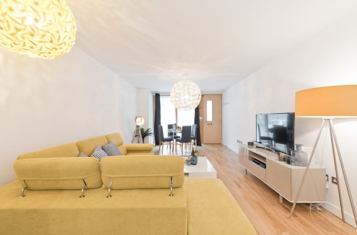 Apartment in Lovely Riverside II, Grand Canal Dock - 2