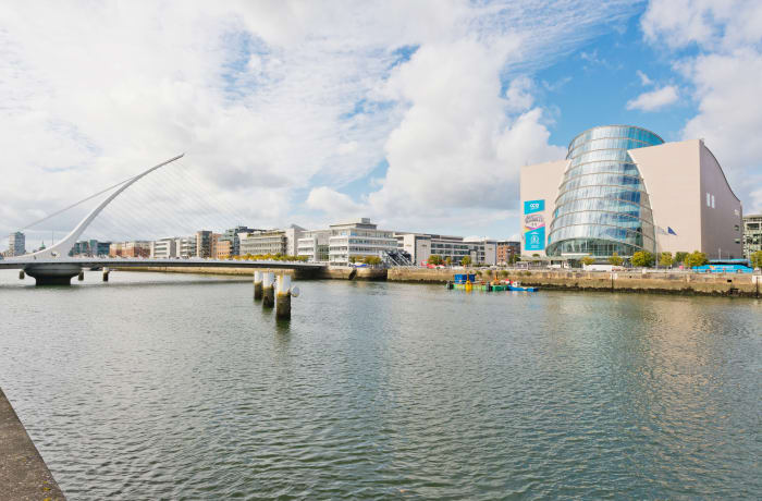 Apartment in Lovely Riverside, Grand Canal Dock - 0