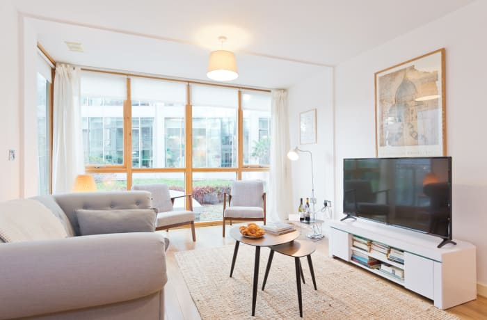 Apartment in Spacious Grand Canal VII, Grand Canal Dock - 1