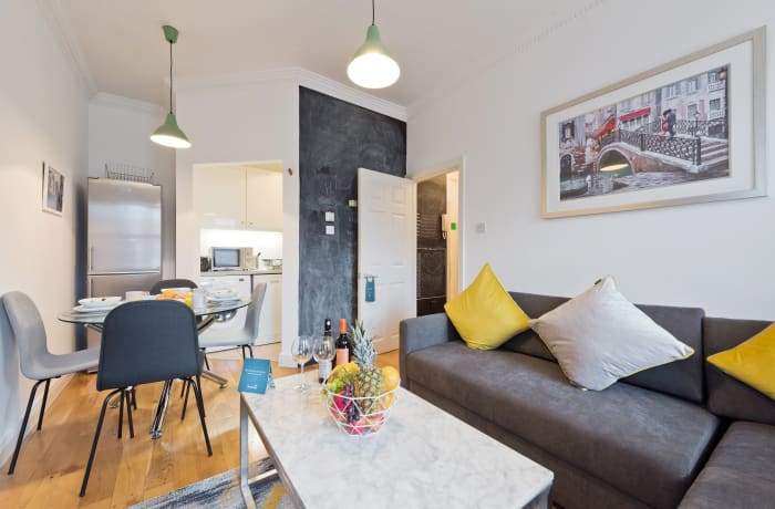 Apartment in Great Georges Street, Temple Bar - 7