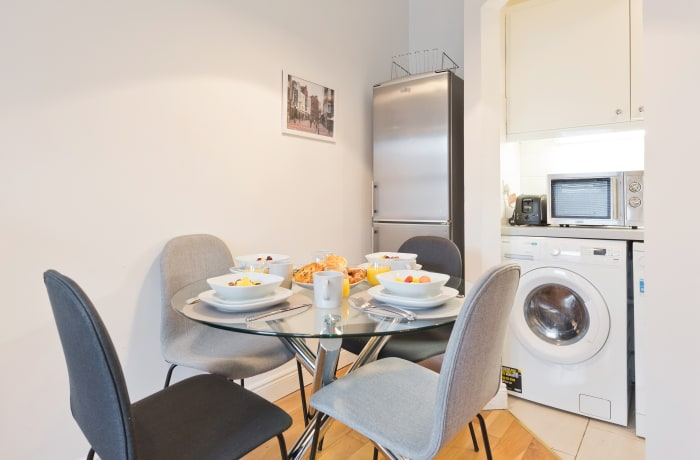 Apartment in Great Georges Street, Temple Bar - 15