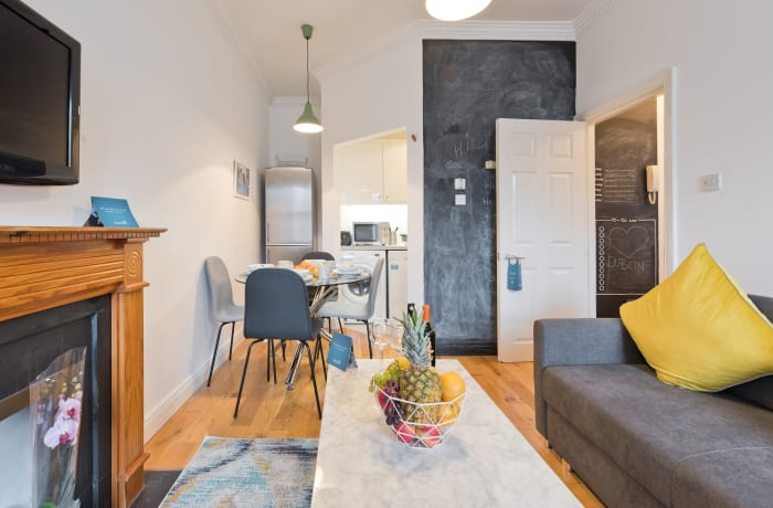 Apartment in Great Georges Street, Temple Bar - 11