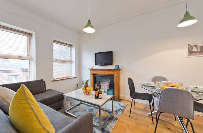 Apartment in Great Georges Street, Temple Bar - 2