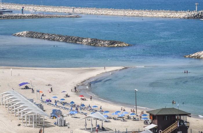 Apartment in Hasharon Beachfront, Herzliya Pituah - 4