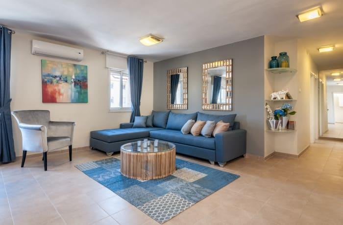 Apartment in Heletz, Baka - 1