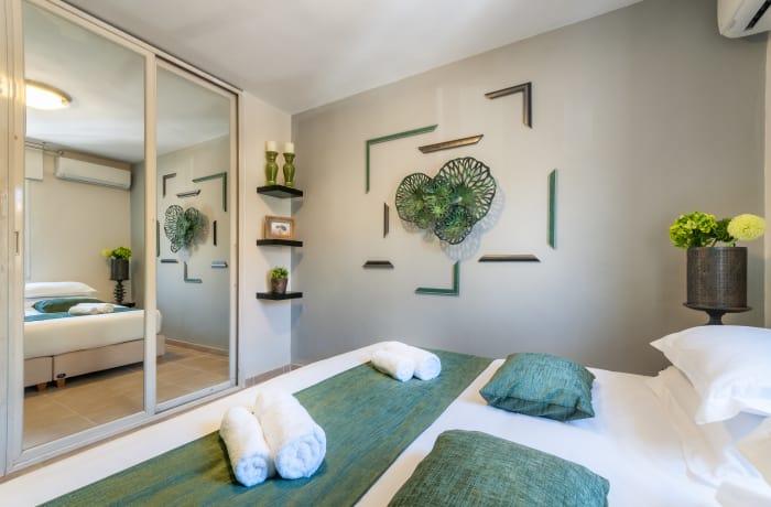 Apartment in Heletz, Baka - 10