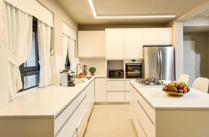 Apartment in Keren Hayesod Deluxe II, Talbieh- Rechavia - 14