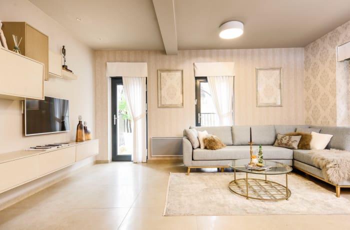 Apartment in Keren Hayesod Deluxe II, Talbieh- Rechavia - 1