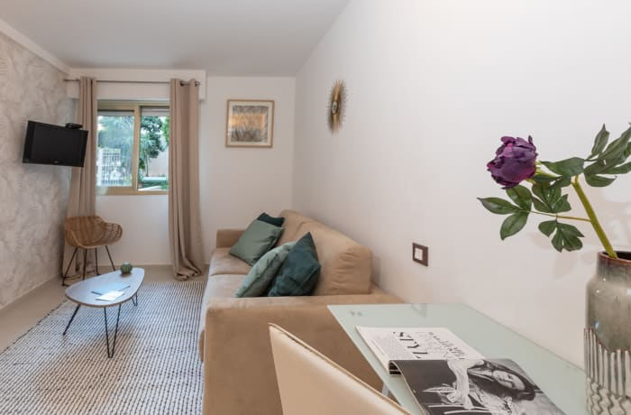 Apartment in Lovely Riviera 3F, Juan-les-Pins - 2