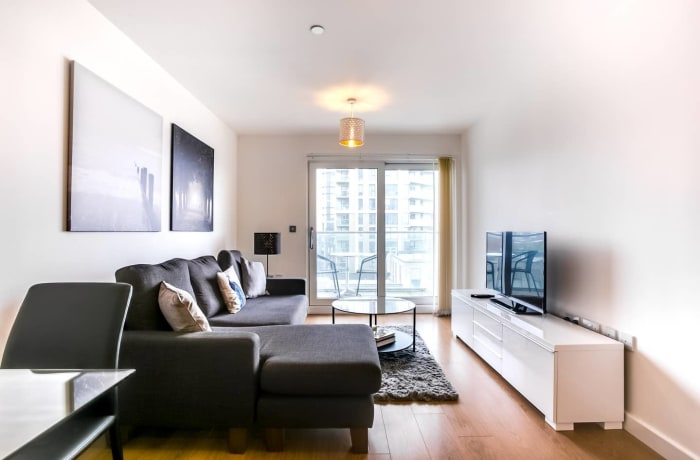 Apartment in The Thames, Canary Wharf - 2