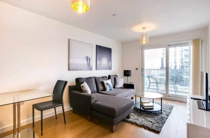Apartment in The Thames, Canary Wharf - 1