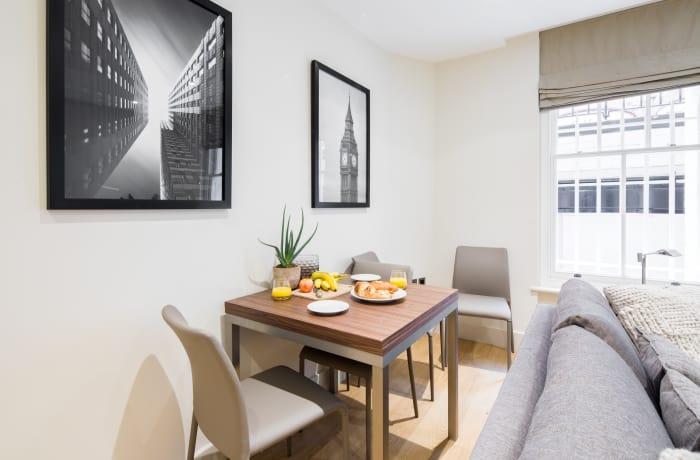 Apartment in Fitzrovia Garden II, Fitzrovia - 4