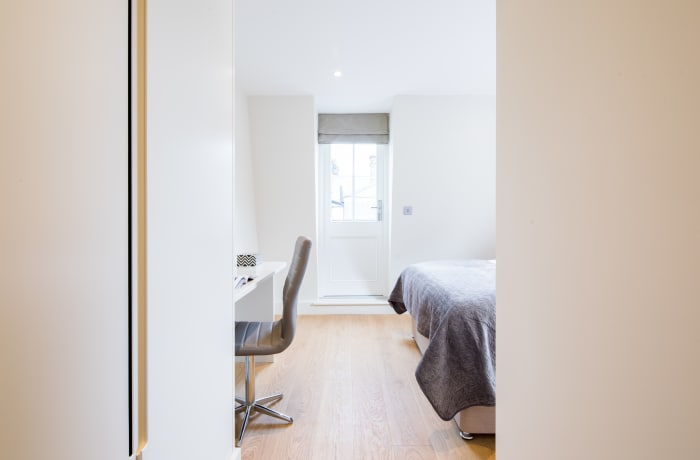 Apartment in Fitzrovia Terrace I, Fitzrovia - 11