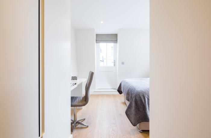 Apartment in Fitzrovia Terrace II, Fitzrovia - 12