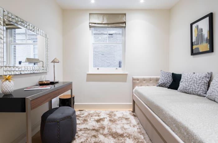 Apartment in Heart of Fitzrovia I, Fitzrovia - 15