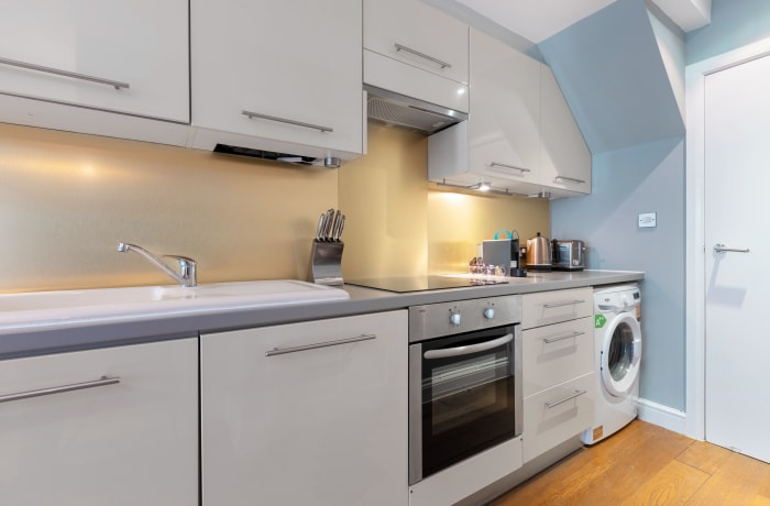 Apartment in Lena Gardens 2B, Hammersmith - 13