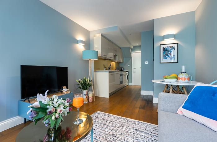 Apartment in Lena Gardens 2B, Hammersmith - 9