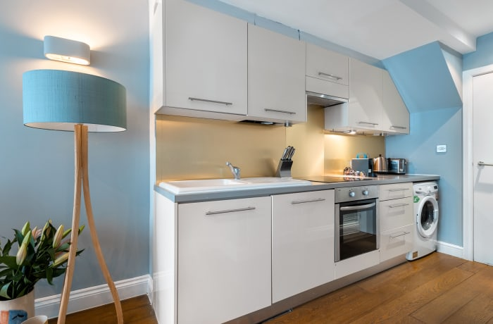 Apartment in Lena Gardens 2B, Hammersmith - 12