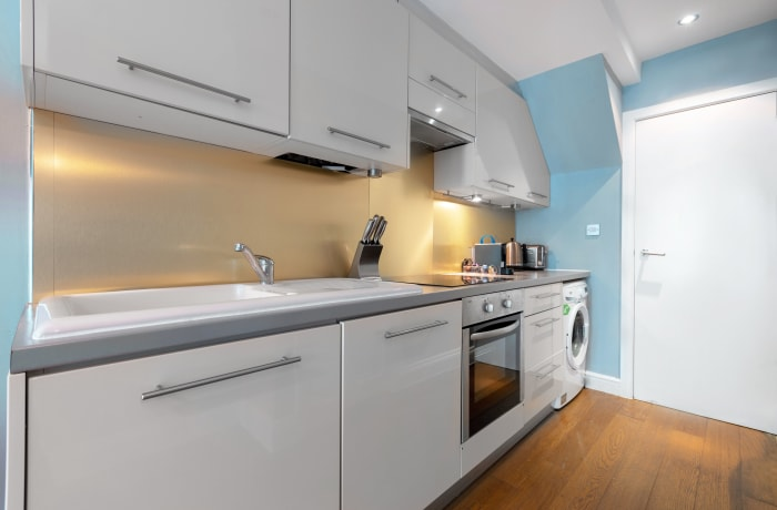 Apartment in Lena Gardens 2B, Hammersmith - 14