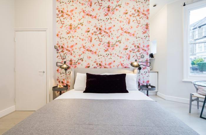 Apartment in Lena Gardens I, Hammersmith - 7