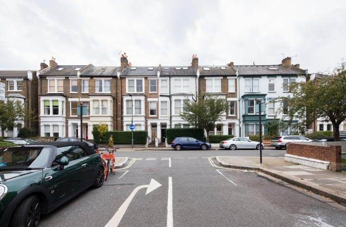 Apartment in Lena Gardens I, Hammersmith - 21