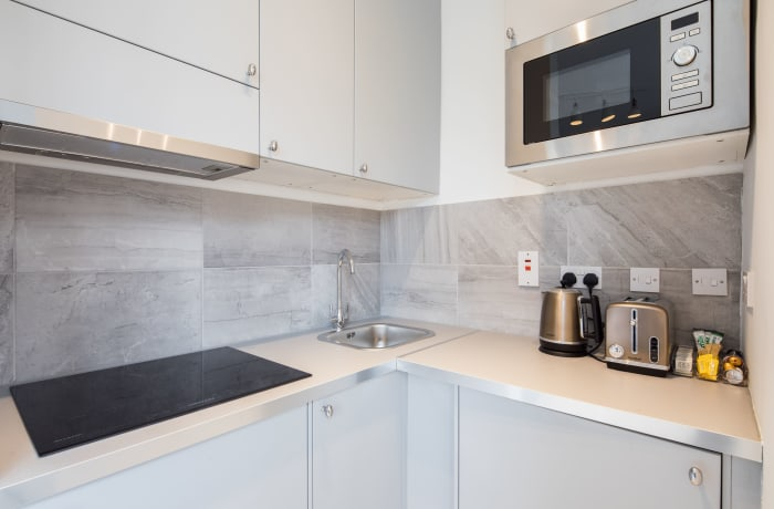 Apartment in Lena Gardens IV, Hammersmith - 11