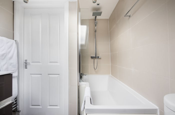 Apartment in Lena Gardens V, Hammersmith - 13