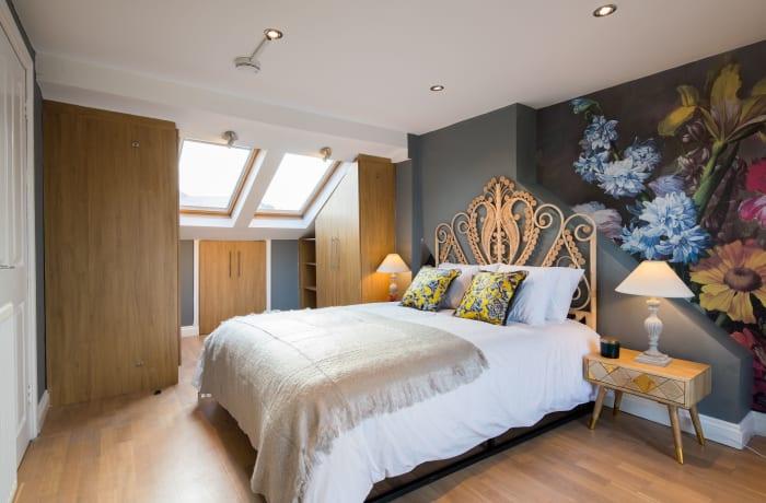Apartment in Lena Gardens V, Hammersmith - 8