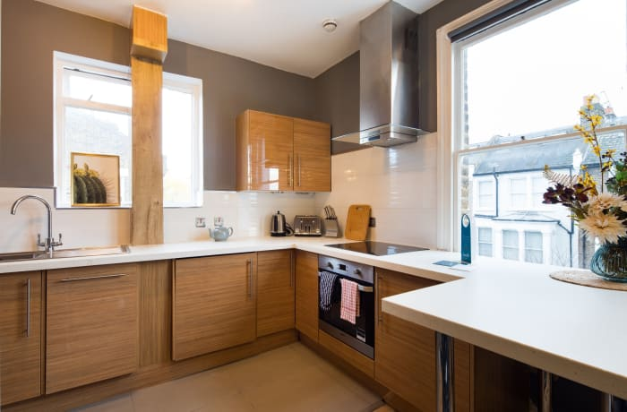 Apartment in Lena Gardens V, Hammersmith - 6