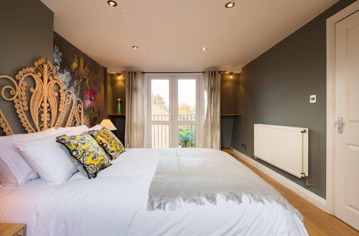 Apartment in Lena Gardens V, Hammersmith - 12