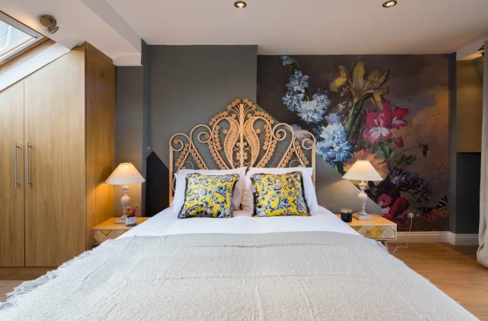 Apartment in Lena Gardens V, Hammersmith - 10