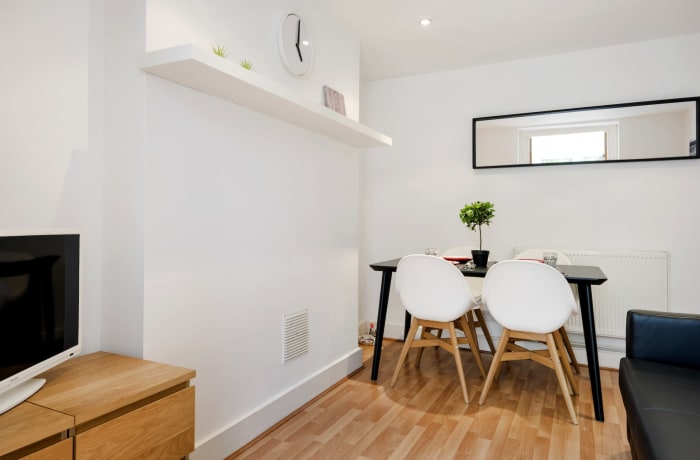 Apartment in Angel Garden, Islington - 4