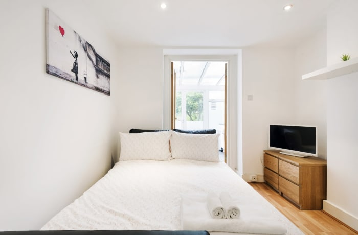Apartment in Angel Garden, Islington - 9