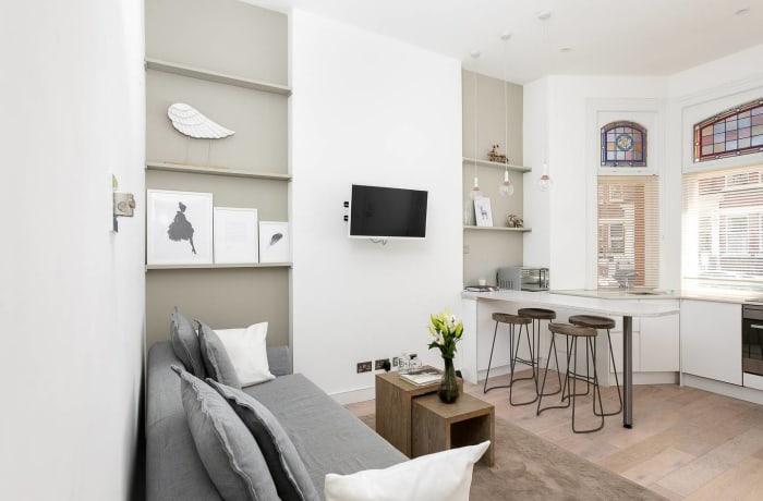Apartment in Chic Kensington, Kensington - 2