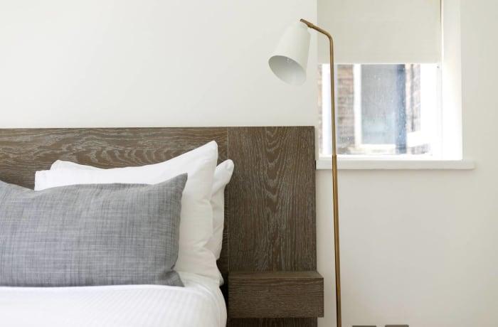 Apartment in Chic Kensington, Kensington - 14