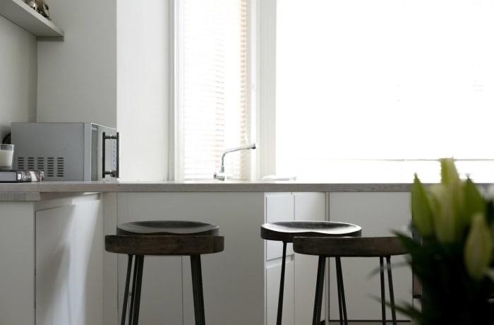Apartment in Chic Kensington, Kensington - 0