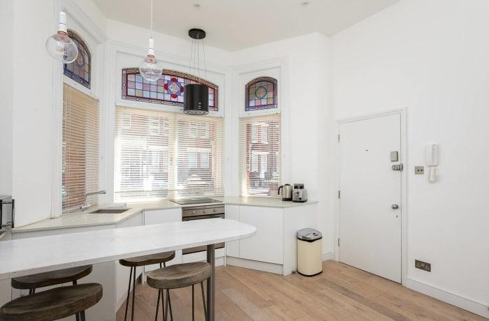 Apartment in Chic Kensington, Kensington - 7