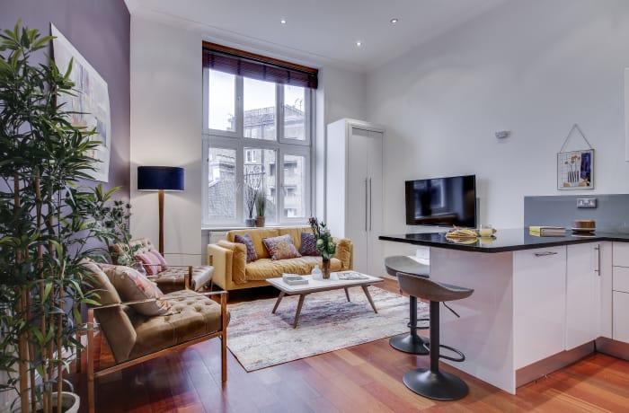 Apartment in Lexham Gardens III, Kensington - 1